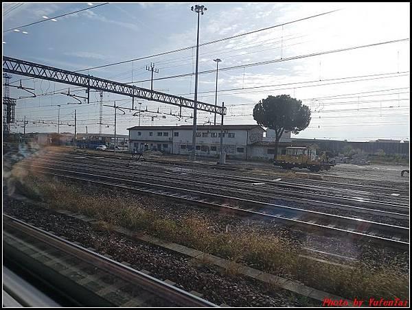 義大利day3-2 高速列車銀箭號+船000032.jpg