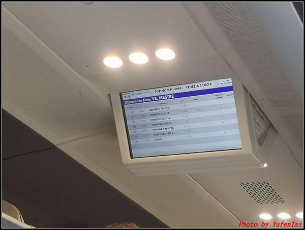 義大利day3-2 高速列車銀箭號+船000033.jpg