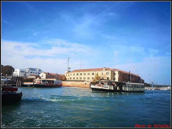 義大利day3-2 高速列車銀箭號+船000049.jpg