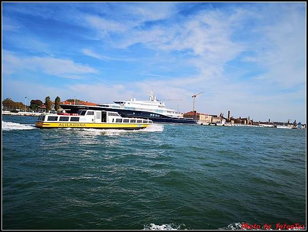 義大利day3-2 高速列車銀箭號+船000064.jpg
