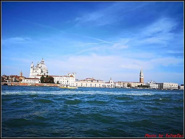 義大利day3-2 高速列車銀箭號+船000081.jpg