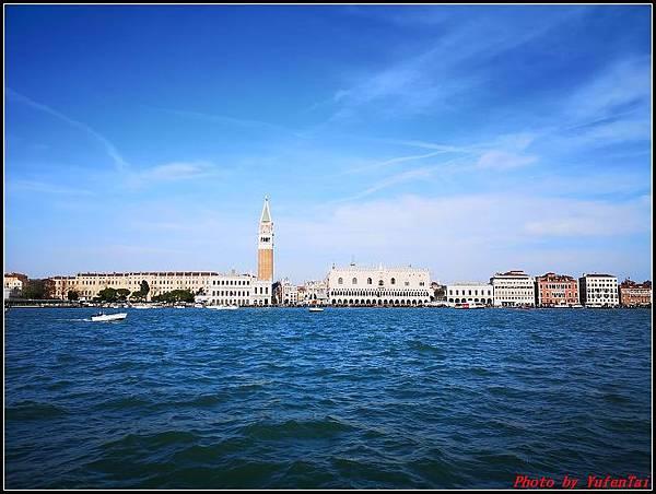 義大利day3-2 高速列車銀箭號+船000089.jpg