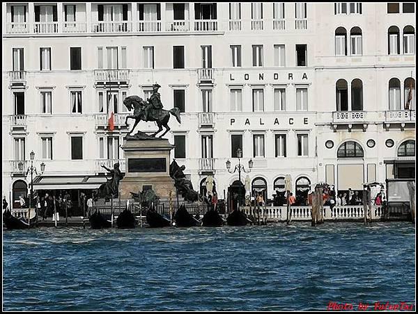 義大利day3-2 高速列車銀箭號+船000094.jpg