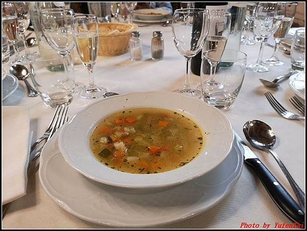 義大利day6-4 百年皇宮餐廳丁骨牛排料理+牛肚包000014.jpg