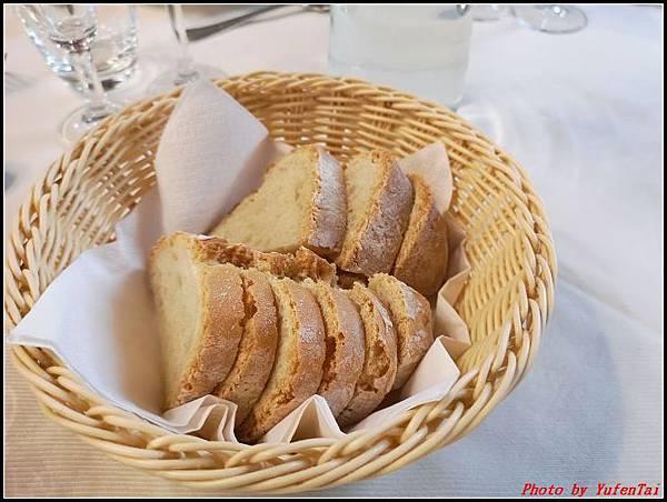 義大利day6-4 百年皇宮餐廳丁骨牛排料理+牛肚包000011.jpg