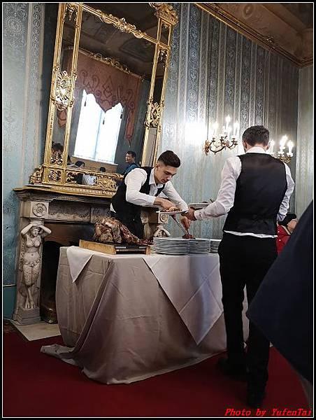 義大利day6-4 百年皇宮餐廳丁骨牛排料理+牛肚包000040.jpg