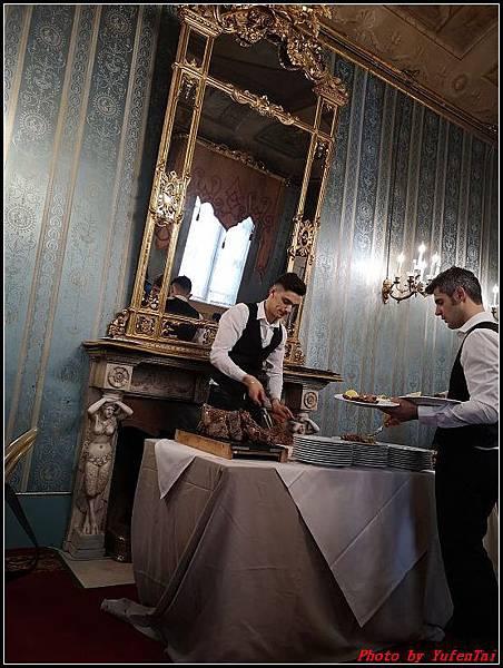 義大利day6-4 百年皇宮餐廳丁骨牛排料理+牛肚包000041.jpg