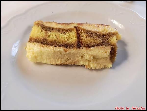 義大利day6-4 百年皇宮餐廳丁骨牛排料理+牛肚包000060.jpg