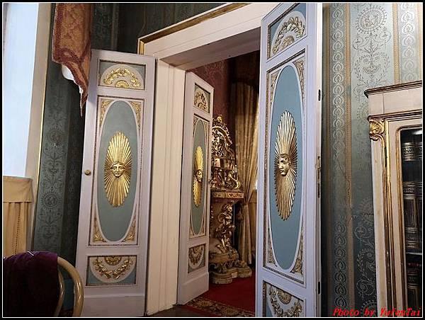 義大利day6-4 百年皇宮餐廳丁骨牛排料理+牛肚包000058.jpg