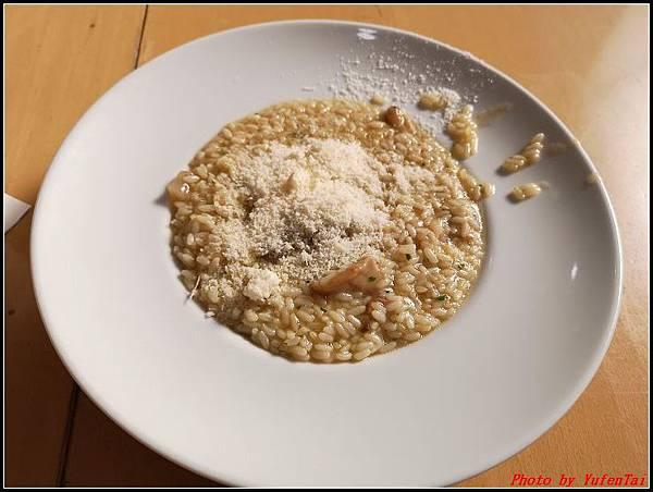 義大利day8-3 午餐000010.jpg