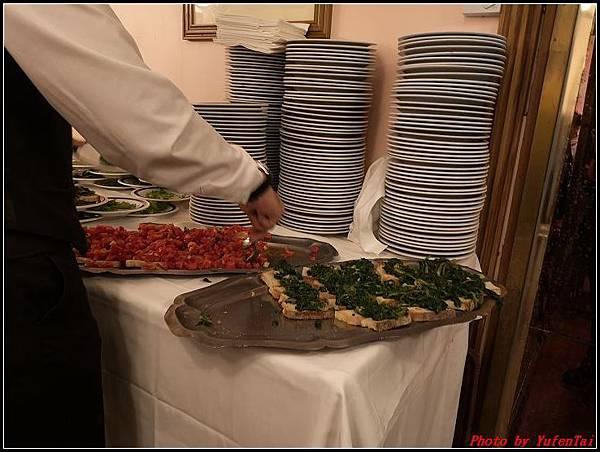 義大利day8-5 羅馬音樂餐廳海鮮風味晚宴000004.jpg