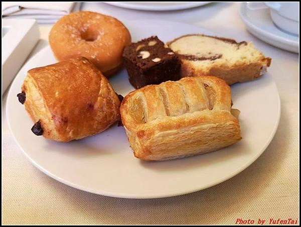 義大利day9-1 早餐+晨拍000023.jpg