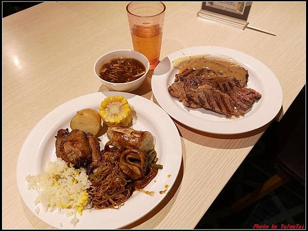 郵輪香港郵輪day2-8晚餐0007.jpg