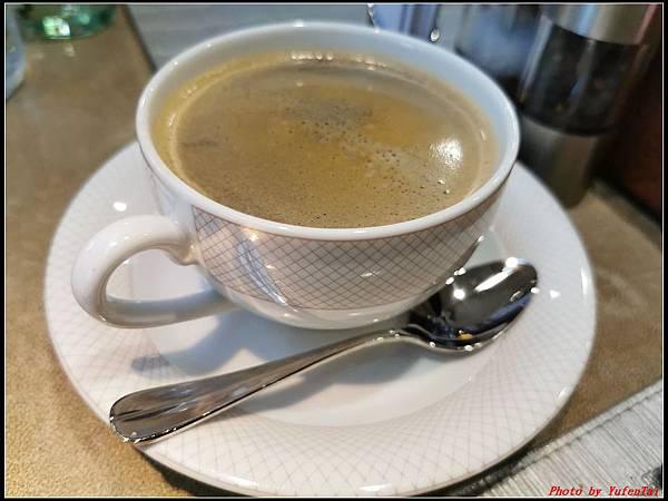 香格里拉-早餐012.jpg