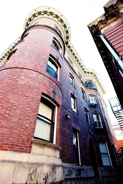 哈佛的紅磚屋