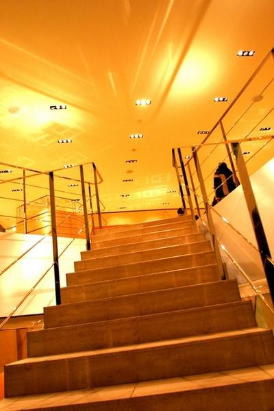 石灰華(travertine)的樓梯板