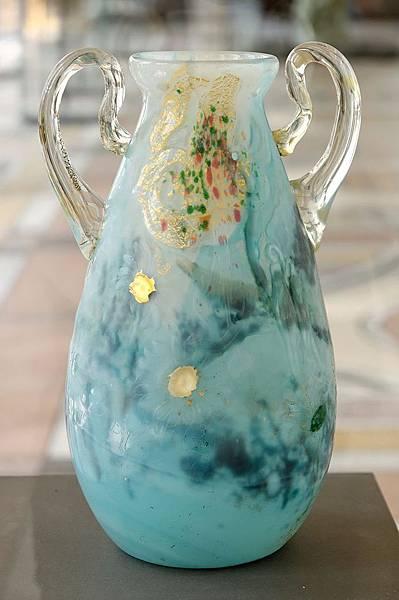 800px-Vase_Marguerite_Gallé_Petit_Palais_OGAL00553_n1.jpg