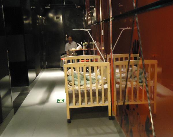 海底撈驚見嬰兒床!
