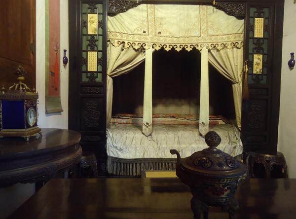 養心殿‧皇后的床