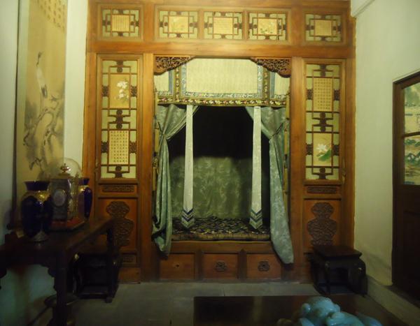 養心殿‧嬪妃的床