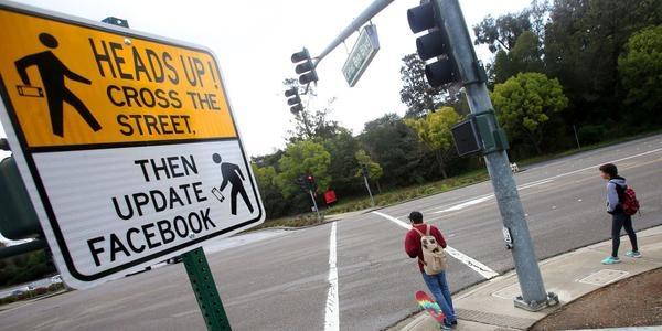 學英文翻譯路上的路標車牌.jpg