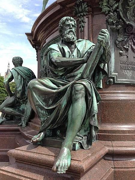 bronze-statue-439709_640