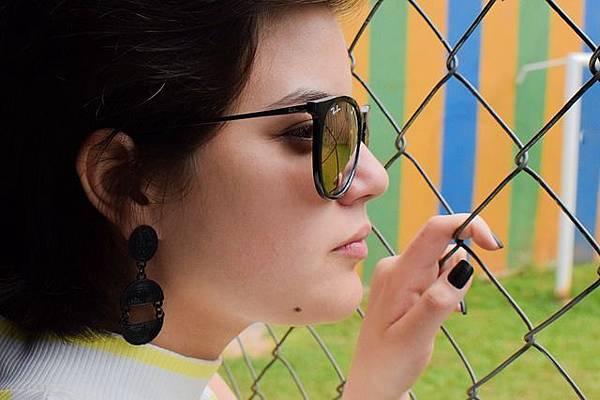 glasses-3030831_640