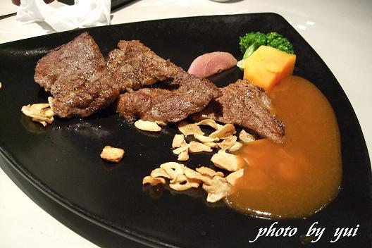 主餐:和風熟烤牛肉