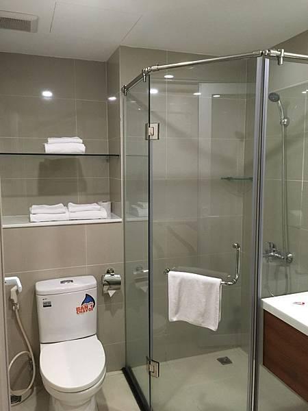 胡志明飯店推薦Saigon KIKO Hotel浴室
