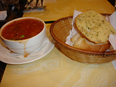 烤大蒜麵包+蕃茄湯