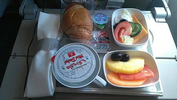 11杜拜里斯本早餐.jpg