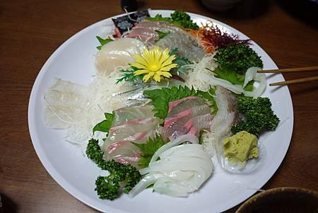 還有美味生魚片
