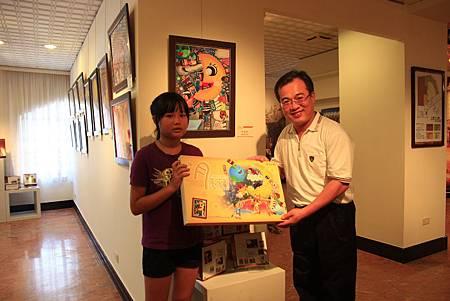 3.2.1.6珍馨獎作品印製成中秋主題盒.JPG