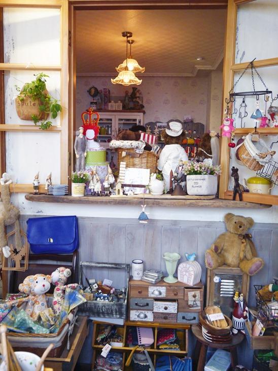 │台中│BUKA這一熊。鄉村雜貨舖+工業風咖啡屋