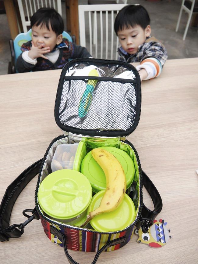 bebeduE六合一副食品聰明懶人包。保溫/保冷方包+不鏽鋼保溫悶燒盒500ml 食品密封罐(300ml*2+400ml*1)+固齒軟矽膠湯匙