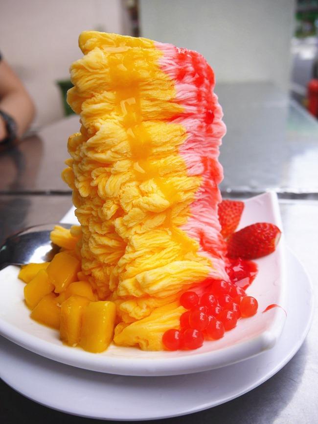 │食。新加坡│親子7天6夜自由行Day1。牛車水必吃甜品「味香園」雪花冰完全就是件美麗藝術品