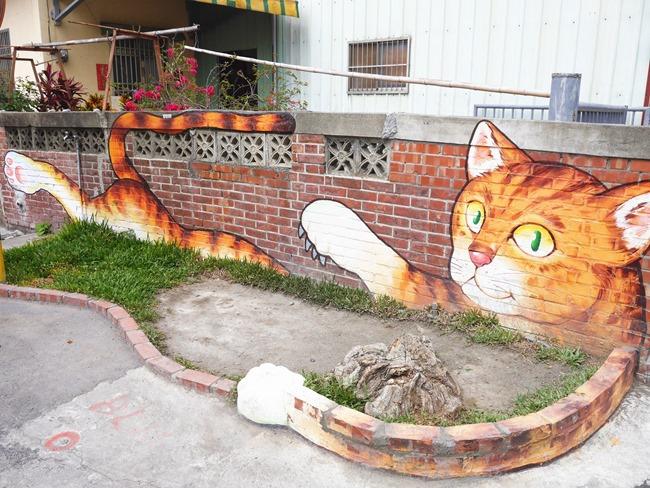 │雲林。 虎尾│當孩子遇見貓。漫遊彩繪村「屋頂上的貓」