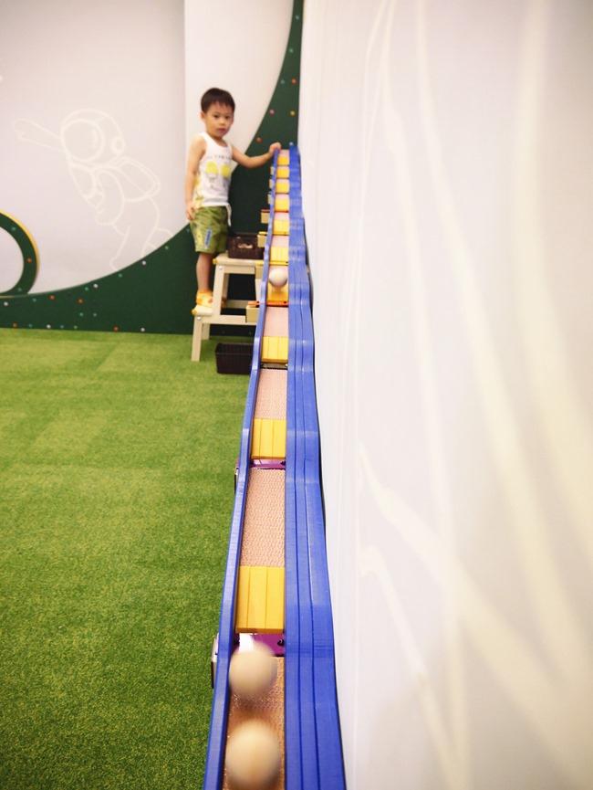 │台北。親子館│幼佑城堡。球池、音磚軌道溜溜球、攀岩、氣墊床、透明人體滾球 多元豐富的新遊樂體驗