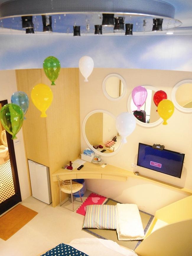 │宿。台南│台南新開幕親子民宿-黃色風箏。溜滑梯房型小人high翻一整夜