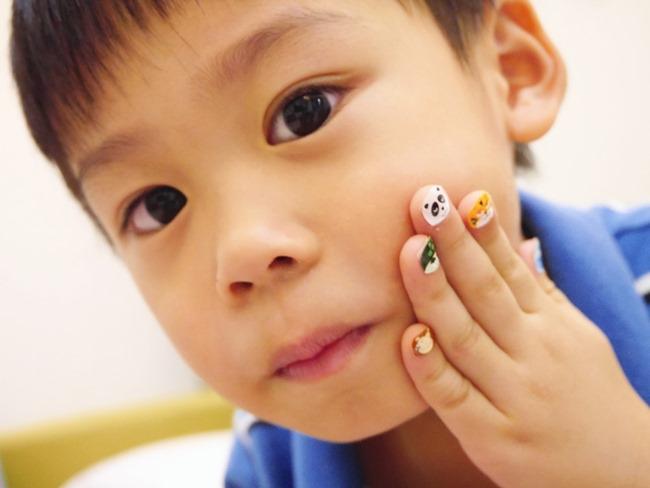 法國「namaki幼童天然彩繪組+可撕式水性指甲油+造型指甲貼紙」。萬聖節開趴「妝」很大!萬聖節、生日、Dress Code派對