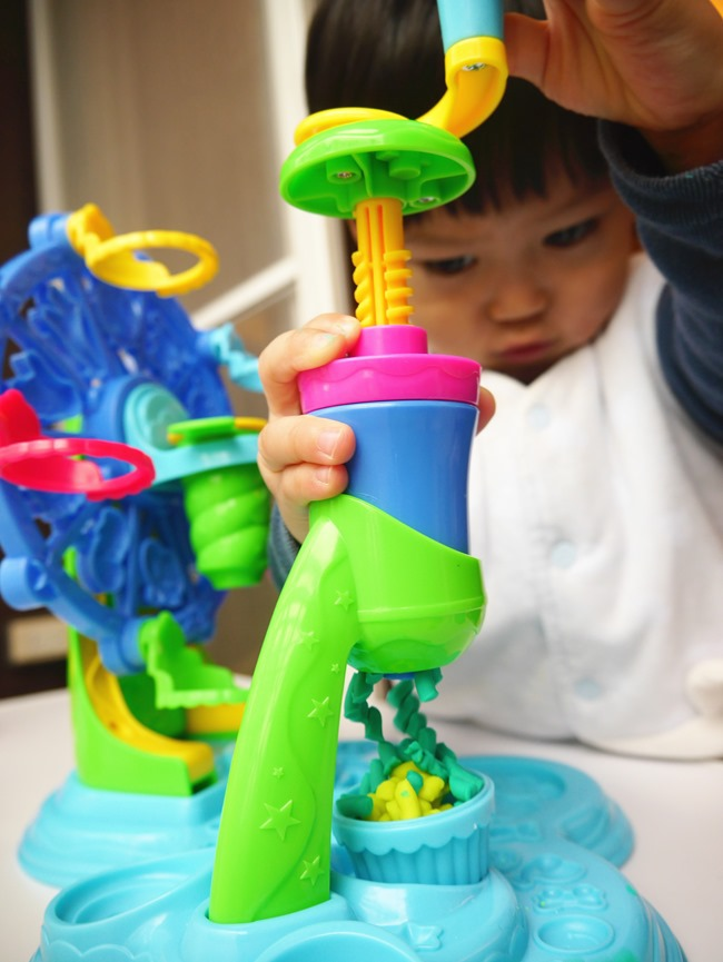 聖誕節禮物。生日禮物。小孩玩具。培樂多黏土
