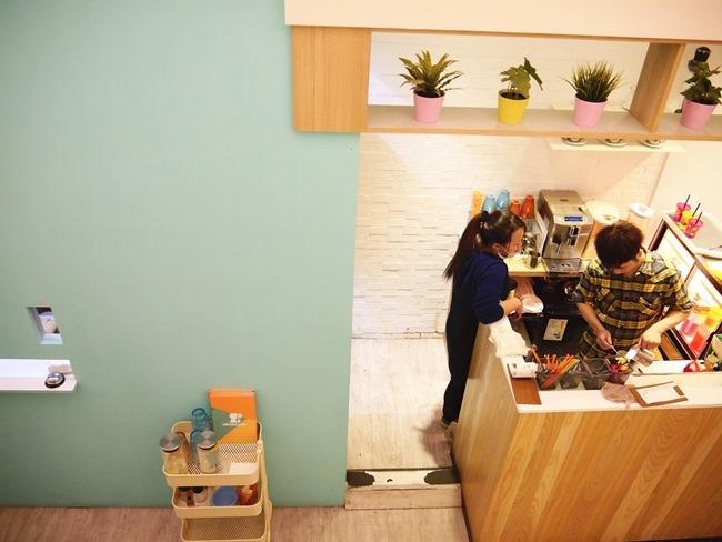 │台北。內湖│Chuck Land恰克園親子咖啡。戶外庭院戲砂+室內獨立遊戲包廂 捷運文德站