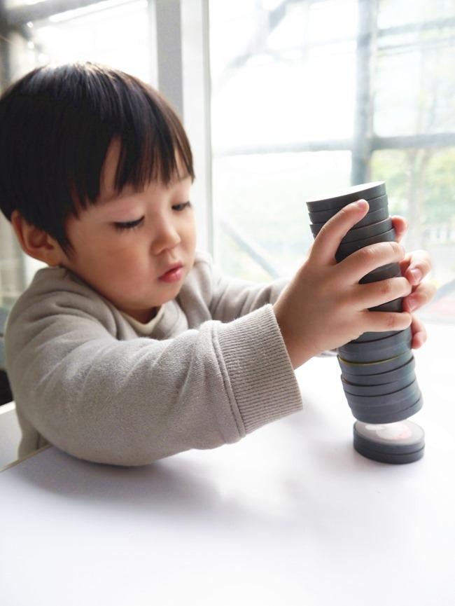 團購。Learning Age學齡國際。童趣磁鐵配對遊戲組、益智七巧板、DIY成長回憶有聲書