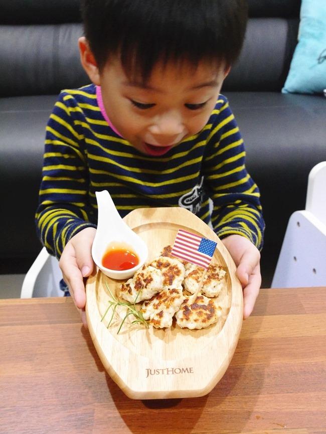 │食譜│DIY自製寶寶版「香煎麥克米雞塊」。非油炸吃得更健康