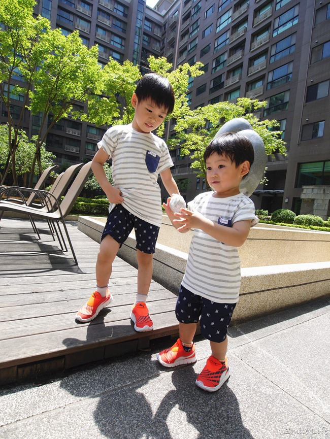 2016童裝特賣, 童裝特賣, 日本童裝, 網購童裝, 親子裝, 穿搭, 兄弟裝, 洞洞衣, 包屁衣, 日本nissen