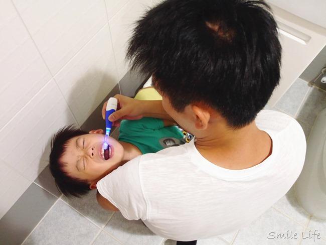 │育兒│小孩含氟牙膏 兒童牙膏 乳牙照顧 兒童蛀牙 兒童牙醫 兒童牙刷推薦