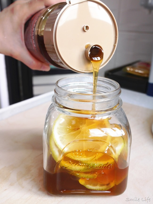 夏天。蜂蜜檸檬水你喝對了嗎?!蜂蜜漬檸檬作法╳檸檬去苦澀的方法!