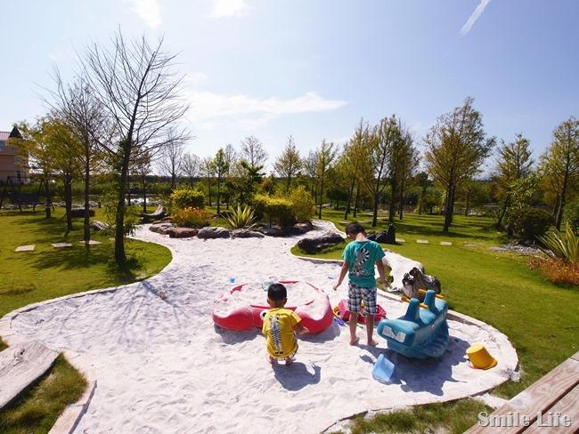 │宿。宜蘭五結│親子民宿「傳藝渡假會館」。親子沙坑、綠地湖畔美景、釣魚…完全可免追行程的清幽愜意