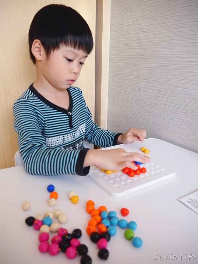 大人、小孩都瘋狂絕無冷場。日本Eyeup療癒系益智桌遊+3D立體動物七巧板