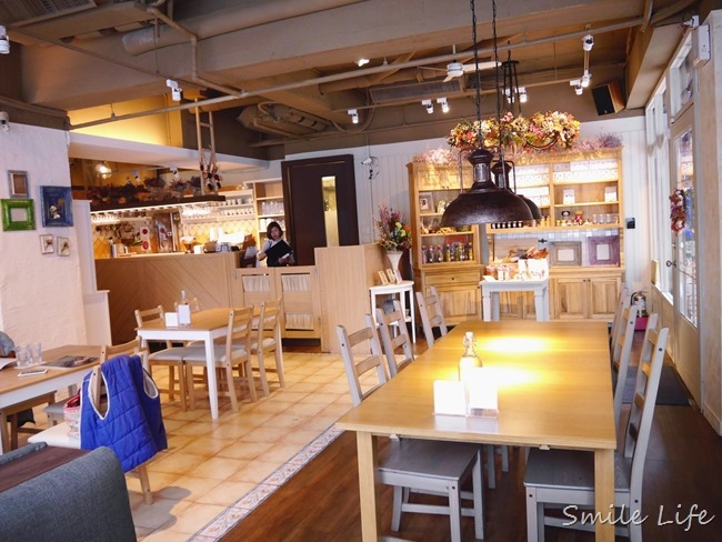 ▌食。台北▌ 新開幕「Café de Saison四季咖啡」與美食相遇。享受靜巷中的悠閒時光。打卡再送「蜂巢蜜堅果法式吐司」超好吃!